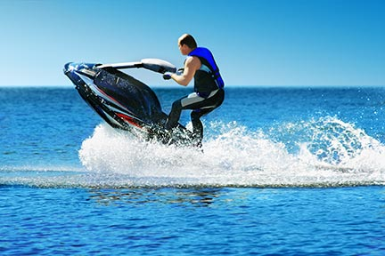Many people like to do tricks on jet skis, however, these tricks often lead to injuries and boating accidents. Call a Deer Park boat accident attorney today to discuss your options.